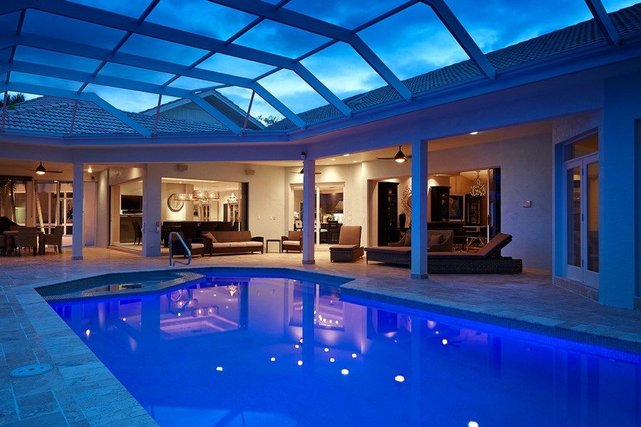 vacation rentals with a pool in marco island florida