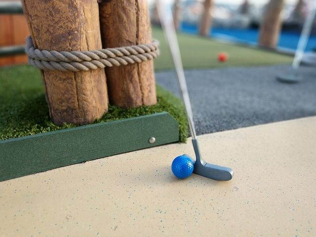 mini golf putter and ball